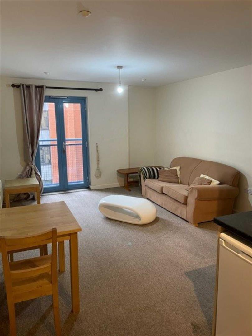 Wellington Street Swindon - 1 Bed Flat - Second Floor